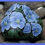 60+ Beautiful DIY Painted Rocks Flowers Ideas (42)