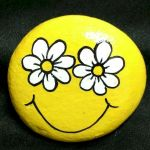 60+ Beautiful DIY Painted Rocks Flowers Ideas (58)