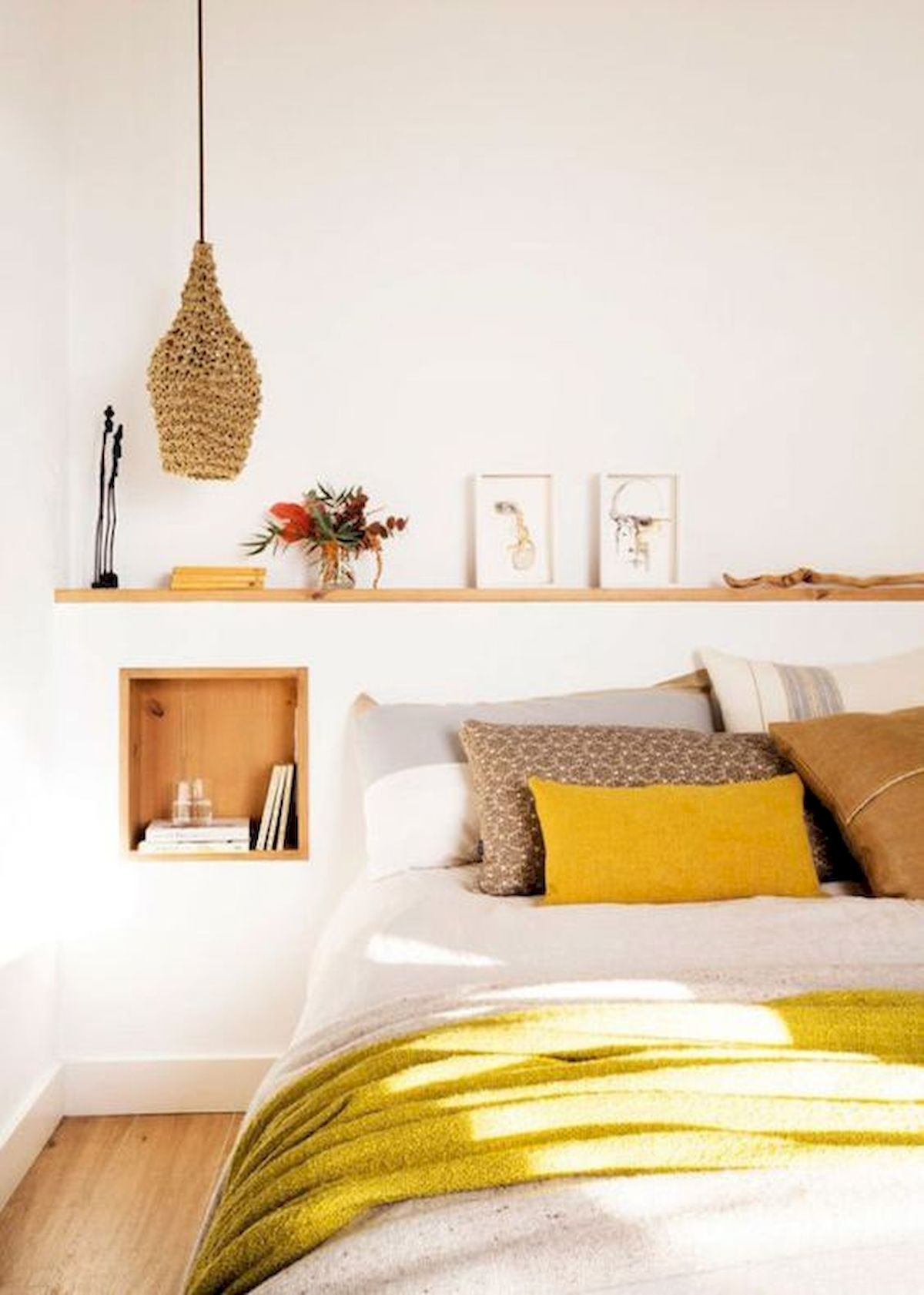 70 Beautiful DIY Colorful Bedroom Design Ideas And Remodel (33)
