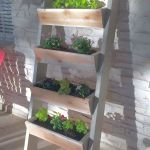 44 Creative DIY Vertical Garden Ideas To Make Your Home Beautiful (16)