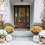 40 Fantastic DIY Fall Front Porch Decorating Ideas (32)