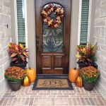 40 Fantastic DIY Fall Front Porch Decorating Ideas (36)