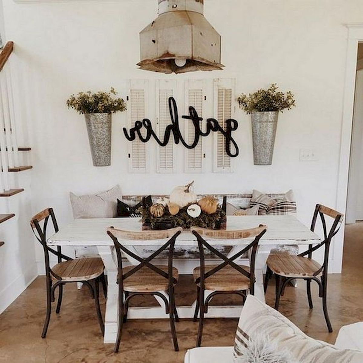 40 Gorgeous DIY Fall Decoration Ideas For Living Room (4)