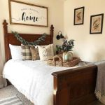 20 Awesome Small Farmhouse Bedroom Decor Ideas and Remodel (7)