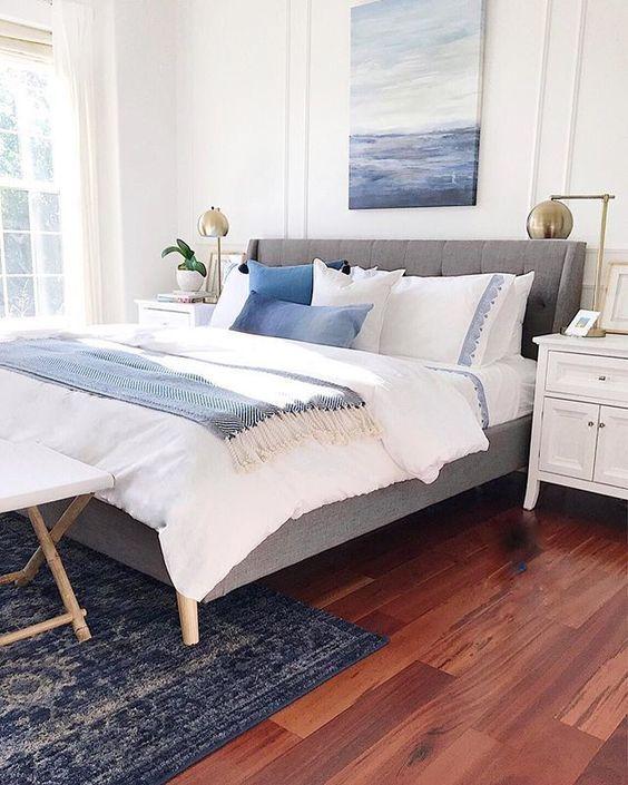 20 Beautiful Coastal Farmhouse Bedroom Decor Ideas and Remodel (19)