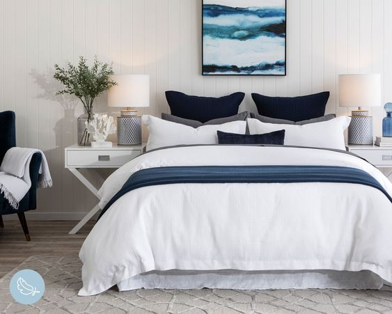 20 Beautiful Coastal Farmhouse Bedroom Decor Ideas and Remodel (7)