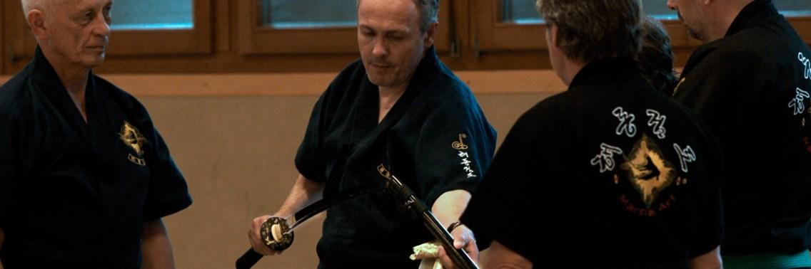 Frische Ware von Hattori Hanzō: Schwerter - nicht magnetisch - aber anziehend