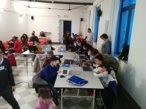 I bambini a lavoro sul loro Scribbling