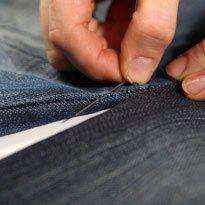 image11-3 | Как превратить старые джинсы в уютный гамак