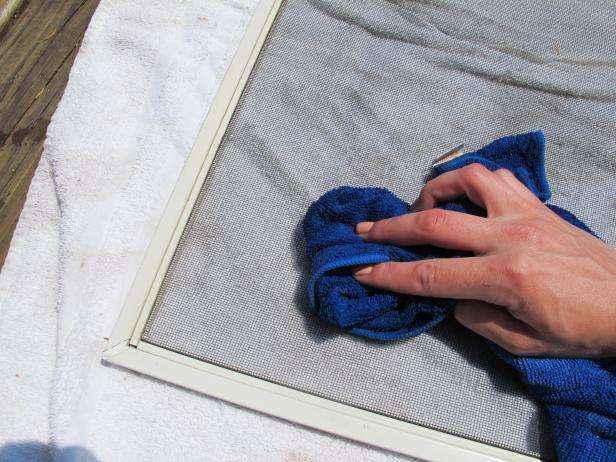1432665347818 | Как очистить москитные сетки