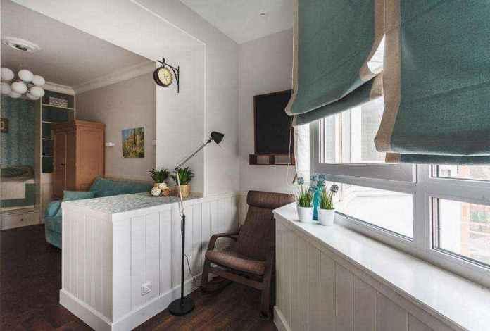 2-3-podium-bed-platform-in-interior-design-peppermint-blue-and-white-girls-room-bedroom-attached-loggia-white-furniture-see-through-shelves-reading-nook-roman-blinds | Кровати с подиумом в дизайне интерьера: 5 реальных проектов в деталях