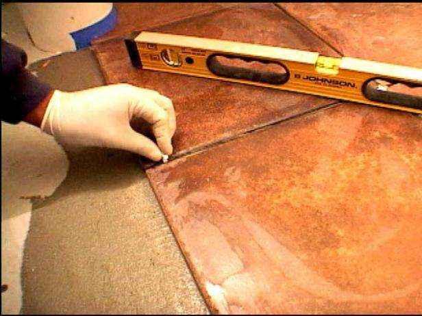 1420609854795 | Как уложить плитку на пол