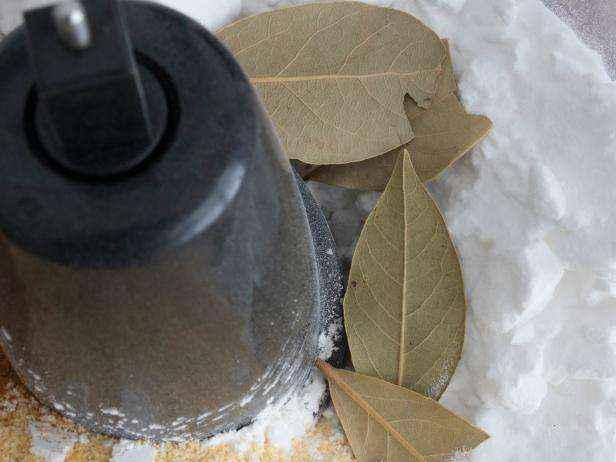 1455655759499 | Как сделать полностью натуральное сухое средство для чистки ковров