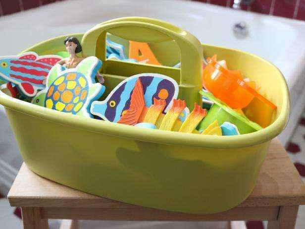 1455836880977 | Легкий и натуральный способ чистки детских игрушек для купания