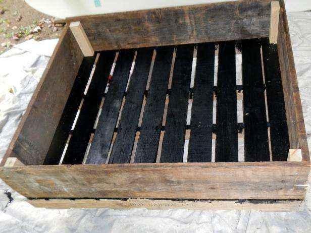 image8-22 | Как сделать передвижную грядку на колесах из старых поддонов