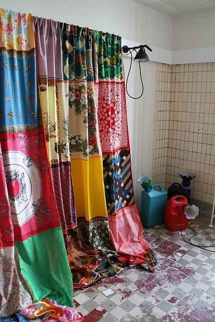 image16-1 | Как использовать шелковые шарфы для украшения интерьера