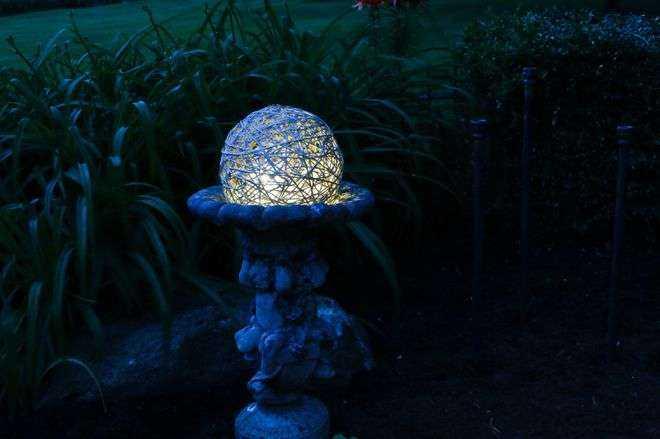 image16-20   Как сделать необычные садовые фонари своими руками