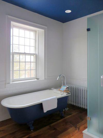 image4-65 | 10 способов обновить ванную при помощи краски