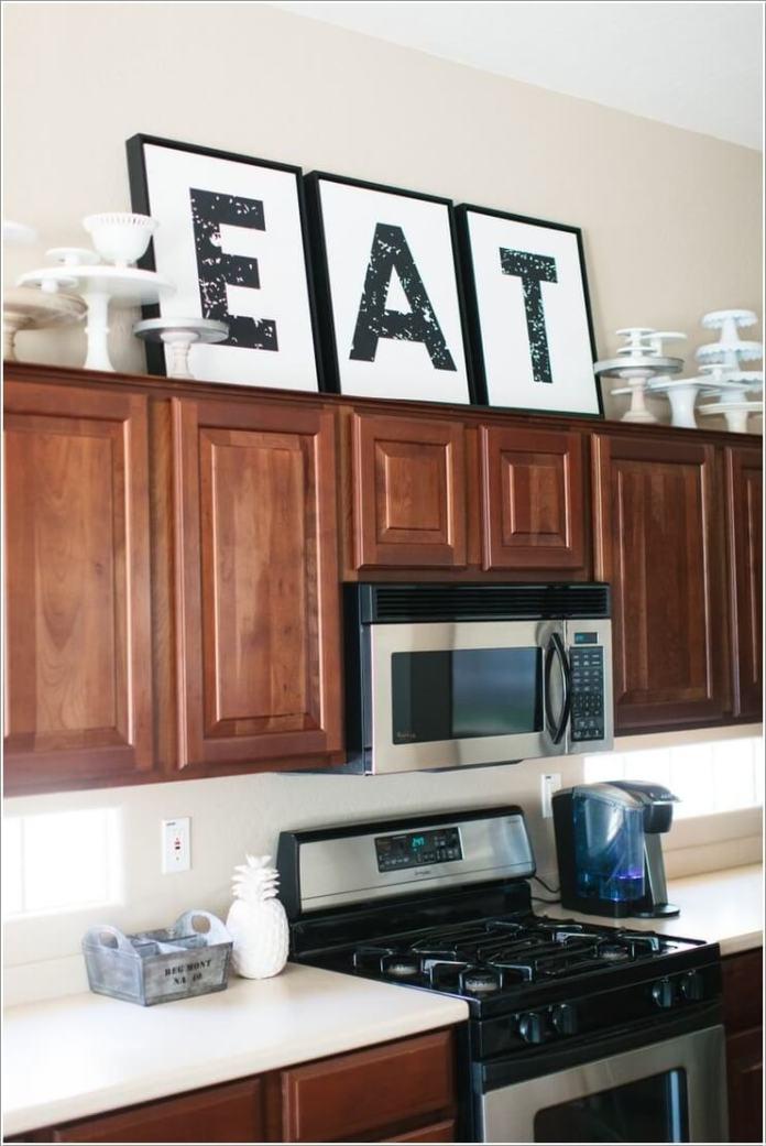 image7-54   10 способов использования пространства над кухонными шкафами