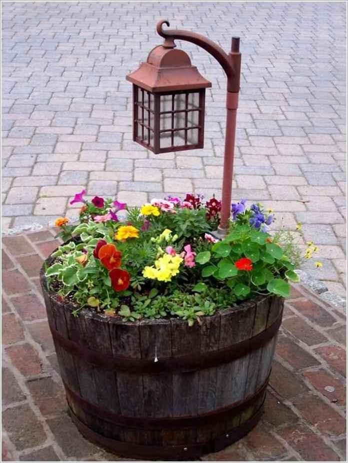 image1-3 | 15 идей нестандартного оформления садовых фонарей