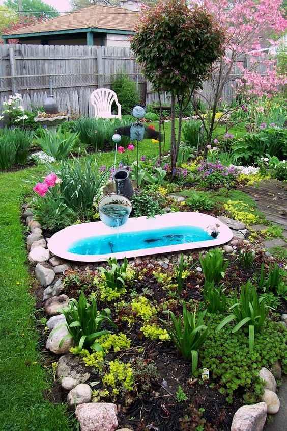 image1-39 | 10 проектов садовых прудиков из ванны своими руками