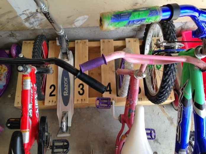 image12-15 | Как сделать стойку для велосипедов из поддонов