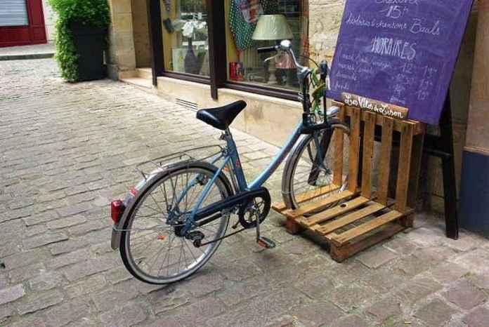image2-26 | Как сделать стойку для велосипедов из поддонов