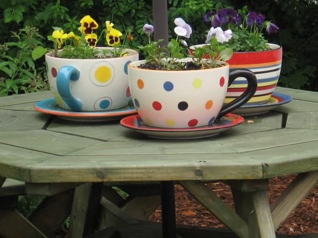 image1-52 | Потрясающие идеи самоделок из чашек и чайников
