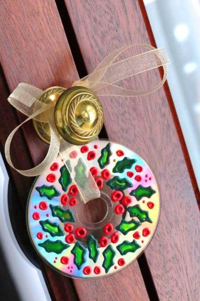 image13-15   Новогодние украшения из ненужных компакт-дисков