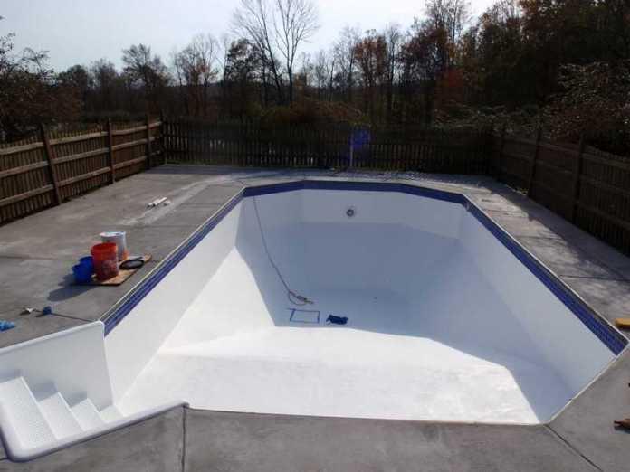 pool-001   Что нужно знать про обустройство бассейна на вашем участке