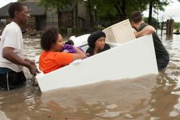 ss-160418-houston-floods-07_0c656e1244d7460ee88dfed755453455.nbcnews-ux-1024-900