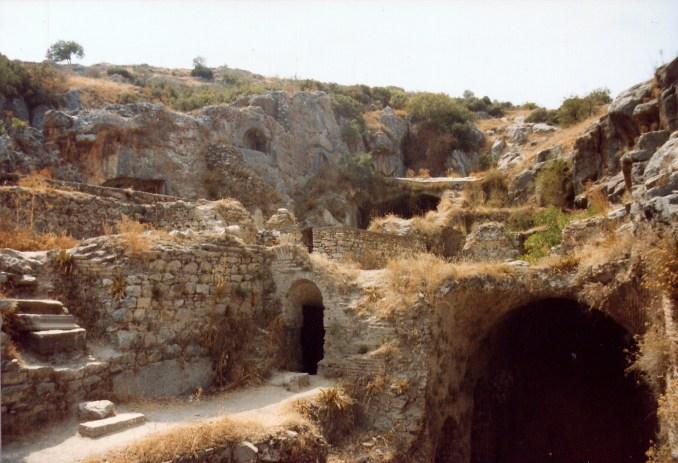 Efes Antik Kenti Yedi Uyurlar mağaraları / Dök Mimarlık