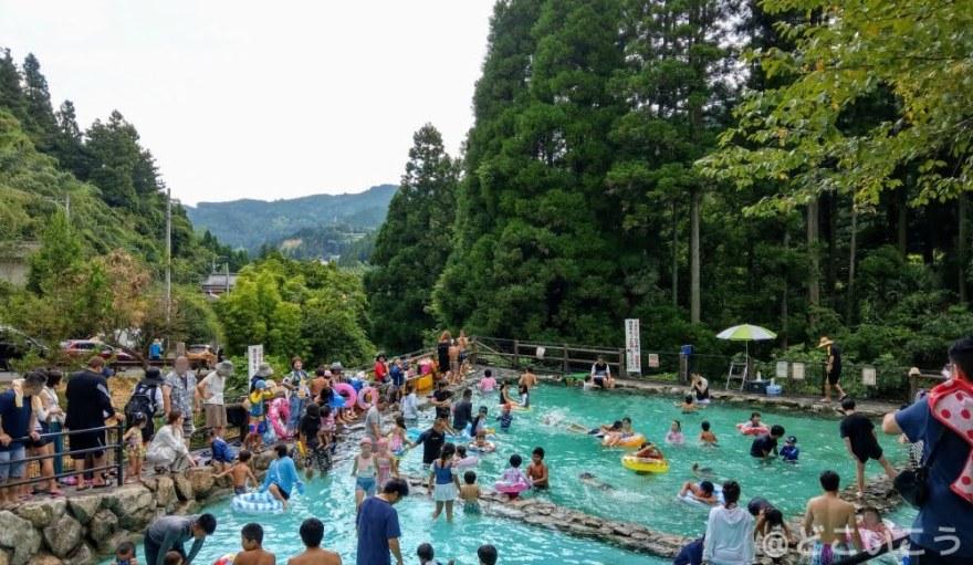夏休みの調音の滝公園