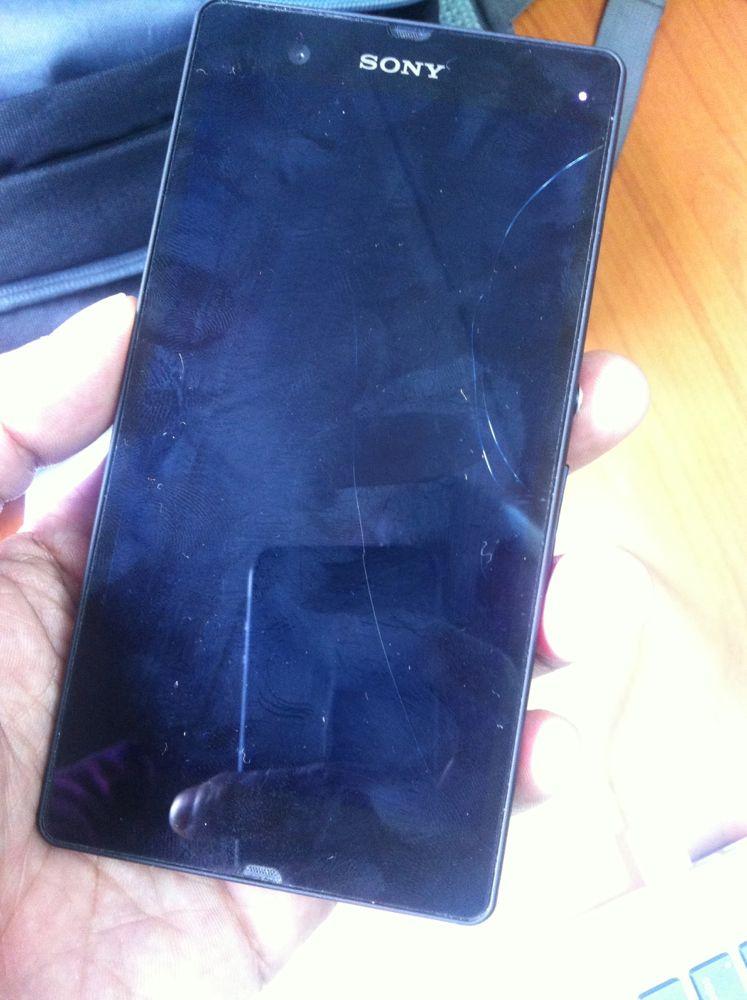 Sony Xperia Z Ekran Değişimi Fiyatı