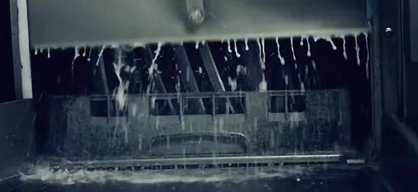 скриншот клипа Gogol Bordello - Immigraniada