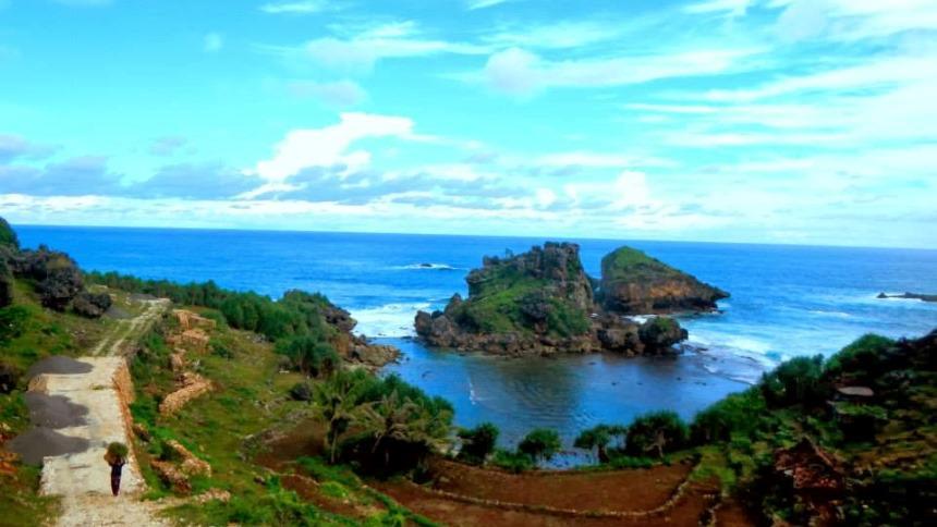 Pantai Nglambor