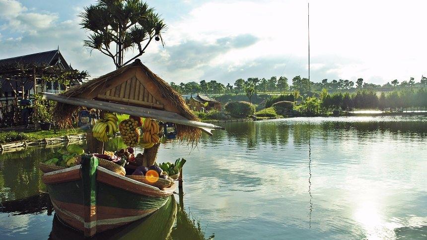 Floating Market Lembang Cover