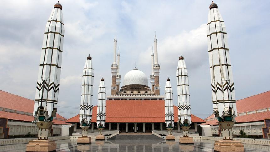 https://i2.wp.com/dolandolen.com/wp-content/uploads/2015/11/Masjid-Agung-Semarang-Cover.jpg?fit=860%2C484&ssl=1