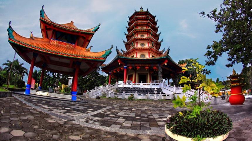 Pagoda Buddhagaya Watugong Pagoda Buddhagaya Watugong Cover - Dolan Dolen