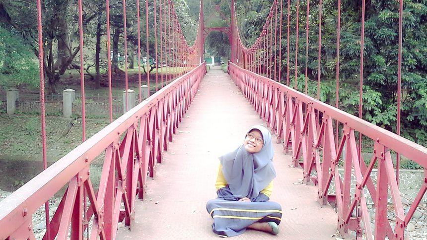 Jembatan Merah Kebun Raya Bogor Jembatan Merah Kebun Raya Bogor - Dolan Dolen