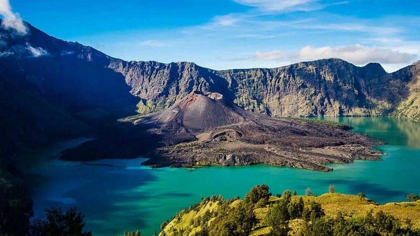 Panorama Gunung Rinjani Panorama Gunung Rinjani - Dolan Dolen