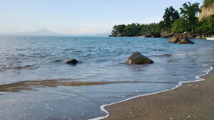 Pasir Hitam Pantai Anoi Itam Pasir Hitam Pantai Anoi Itam - Dolan Dolen