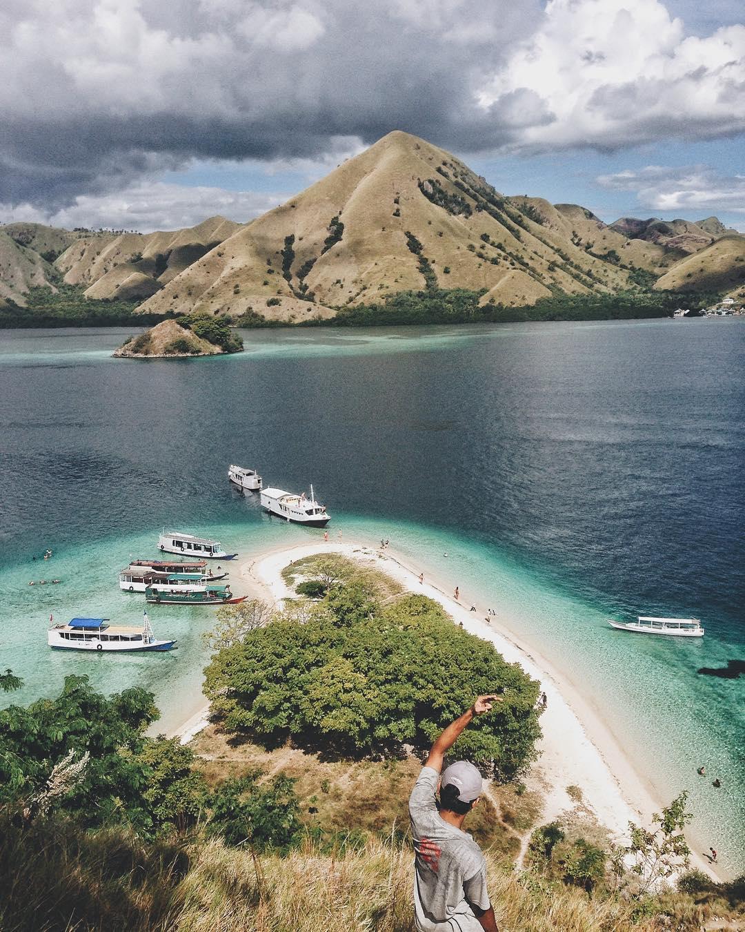 Kelor Island, Komodo, Flores - Indonesia Pulau Kelor by Imam Haryadi Dolaners - Dolan Dolen
