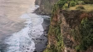 Pura Puncak Karang Boma, Badung, Bali - Dolandolen