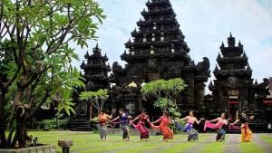 Pura Agung Jagat Karana Surabaya, Pura Agung, Pura Agung Jagat Karana, Dolan Dolen, Dolaner
