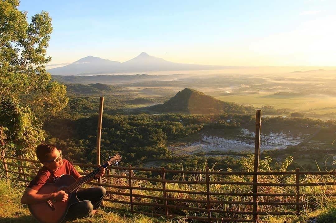Puncak Moyeng, Puncak Moyeng Yogyakarta. Yogyakarta, Dolan Dolen, Dolaners Puncak Moyeng by yogapitung - Dolan Dolen