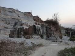 tebing bukit pertambangan batu breksi berbah sleman (63)