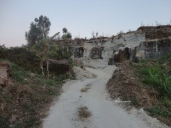 tebing bukit pertambangan batu breksi berbah sleman (72)
