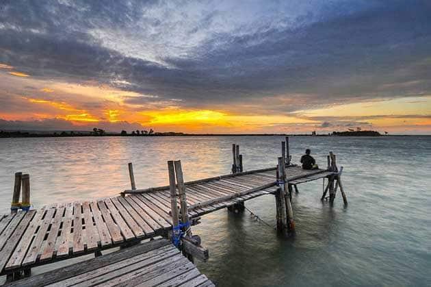 Pantai Marina Samping