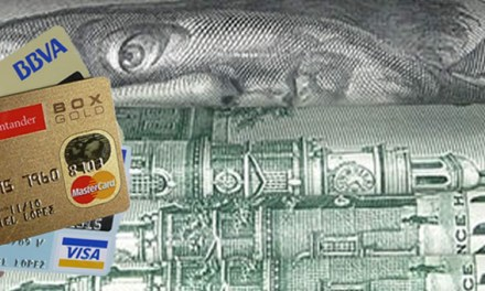 Dólar tarjeta se despierta : la brecha impulsa gastos con plásticos en dólares